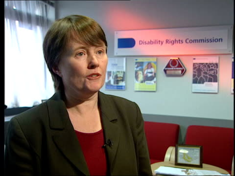 vídeos y material grabado en eventos de stock de bans liz sayce interview sot disabled people can't lead independent lives with these blanket nolifting policies/ this is tip of iceberg/ it's causing... - east sussex
