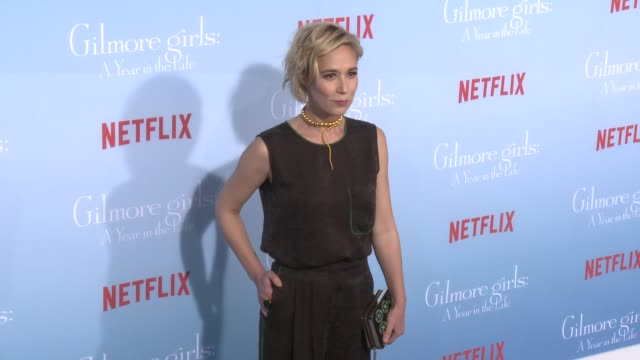 stockvideo's en b-roll-footage met liza weil at the premiere of netflix's gilmore girls a year in the life at regency bruin theater on november 18 2016 in westwood california - bruin theater