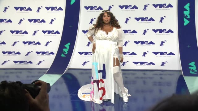 lizzo at the 2017 mtv video music awards at the forum on august 27 2017 in inglewood california - mtv video music awards stock videos & royalty-free footage