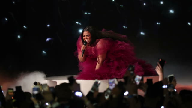 lizzo performs onstage during the 2019 american music awards at microsoft theater on november 24 2019 in los angeles california - american music awards stock videos & royalty-free footage