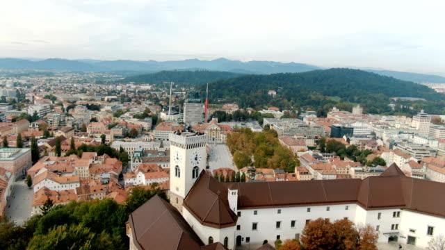 vídeos y material grabado en eventos de stock de aerial ljubljana castle and cityscape / slovenia - liubliana