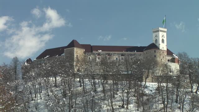 ws, la, ljubljana castle, notranjska, slovenia - ブダペスト点の映像素材/bロール