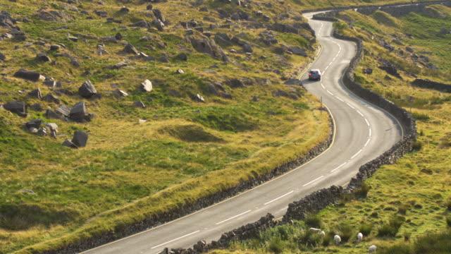 ランベリス pass.snowdonia 国立公園。ウェールズ。 - スノードニア点の映像素材/bロール
