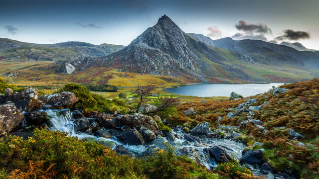 llyn ogwen and mount tryfan in snowdonia national park - scenics stock videos & royalty-free footage