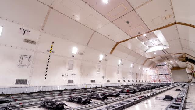 にロードカーゴ(貨物航空機、time lapse (低速度撮影) - スペースシャトル点の映像素材/bロール