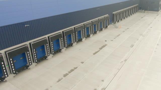 laderampen - distribution warehouse stock-videos und b-roll-filmmaterial
