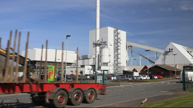 loads of timber entering stephens croft biofuel power station in lockerbie, scotland, uk. - galloway scotland stock videos & royalty-free footage