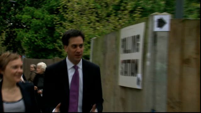 ed miliband at polling station england london parliament hill ext ed miliband mp along and into polling station with his wife justine thornton/ ed... - parliament hill stock videos and b-roll footage