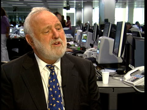 reporter to camera frank dobson mp interviewed sot i can remember telling prime minister last year unless things change we were likely to lose... - lambeth stock-videos und b-roll-filmmaterial