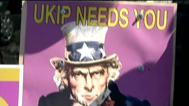 campaigning continues; cambridgeshire: ramsey: united kingdom independence party leader nigel farage along during campaigning farage talking with... - letterbox stock-videos und b-roll-filmmaterial