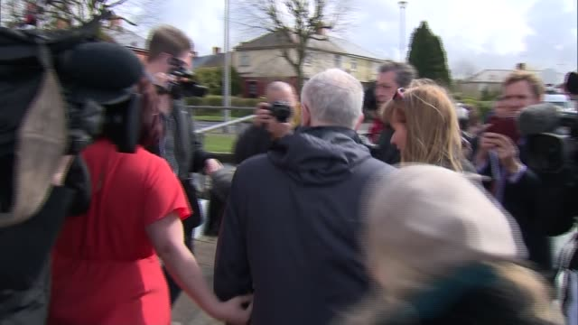 stockvideo's en b-roll-footage met jeremy corbyn and angela rayner campaigning in swindon various cutaways of jeremy corbyn mp angela rayner mp jim grant and tracy brabin mp speaking... - parlementslid