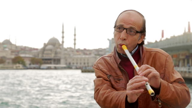 Local Istanbul man plays flute