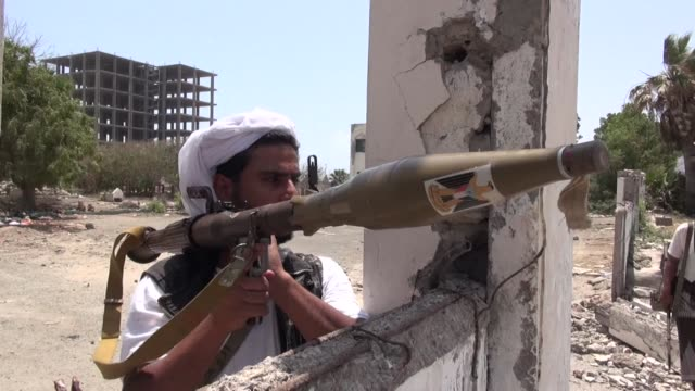 local paramilitaries a rogue general al qaeda cells aden has become an explosive mix since yemen's embattled leader fled the capital to the country's... - al qaida stock videos & royalty-free footage