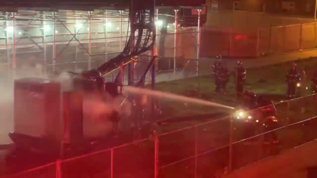 locals in red hook, brooklyn, were awoken in the early hours of april 20 by firefighters arriving on the scene of a cell tower fire. one resident who... - simply red点の映像素材/bロール