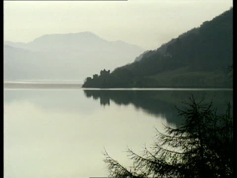 vídeos de stock, filmes e b-roll de loch ness loch ness with cloud reflections loch ness gv more ditto - loch