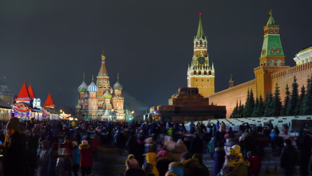 lockdown timelapse red square with crowded at night in new year, moscow, russia - red square stock videos & royalty-free footage