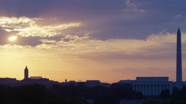 lockdown wide: washington dc in the early morning (shot on red) - wide stock videos & royalty-free footage