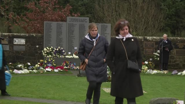 30th anniversary memorial service alternative angle scotland lockerbie dryfesdale cemetery ext excerpt from lockerbie memorial service with... - gottesdienst stock-videos und b-roll-filmmaterial