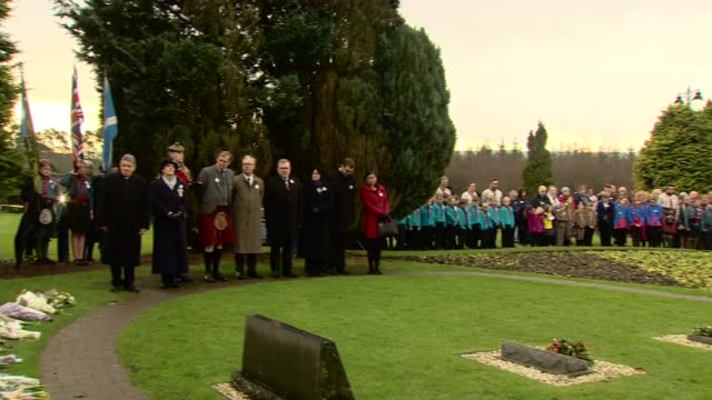 service held to mark 30th anniversary uk lockerbie lockerbie bombing 30th anniversary memorial service in garden of remembrance at dryfesdale... - gottesdienst stock-videos und b-roll-filmmaterial