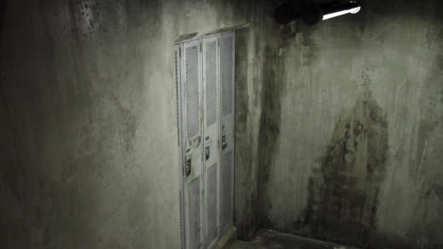 ms lockers embedded in concrete / vancouver, british columbia, canada - トランクルーム点の映像素材/bロール