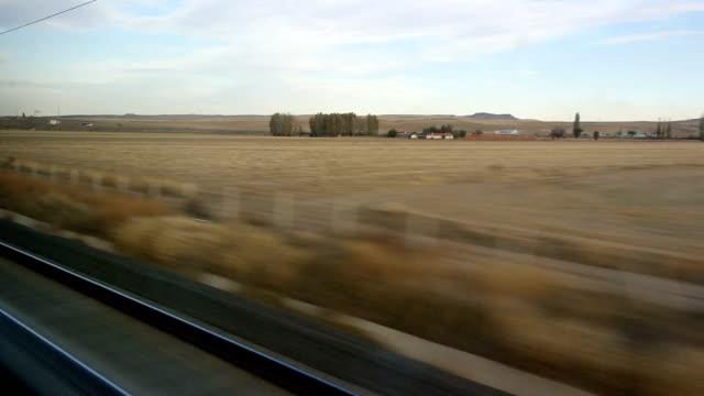 lokomotive eisenbahn und bahnreisen - lokomotive stock-videos und b-roll-filmmaterial