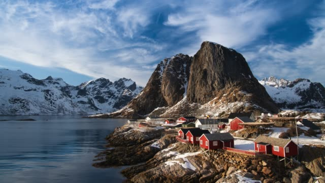 stockvideo's en b-roll-footage met lofoten landschap, noorwegen - bergketen
