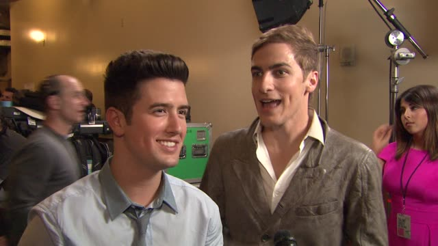 logan henderson and kendall schmidt on the event - kendall schmidt stock videos & royalty-free footage