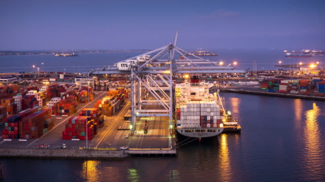 Logistics at the Port of Long Beach - Time Lapse