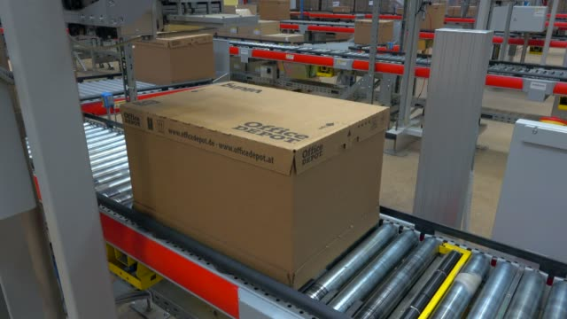 logistics centre of a mail-order company for office products, grossostheim, bavaria, germany, europe - ausrüstung und geräte stock-videos und b-roll-filmmaterial