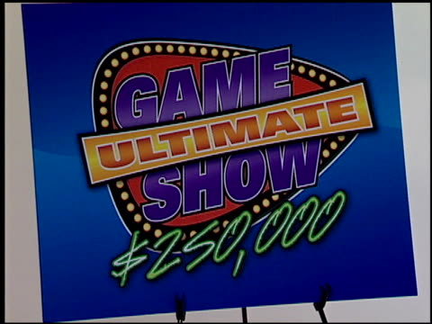 vídeos de stock, filmes e b-roll de logo at the legendary game show gurus launch of the '$250,000 ultimate game show' at null in los angeles, california on august 31, 2007. - game show