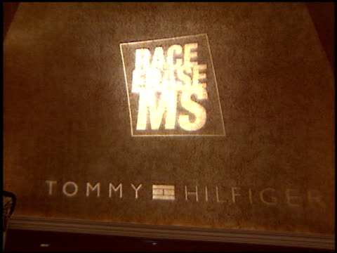 vidéos et rushes de logo at the race to erase at the century plaza hotel in century city, california on may 14, 2004. - race to erase ms