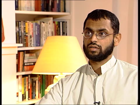 logo on screen moazzam begg interview sot i remember somebody coming knocking at the door banging the door down have you heard the news he said i... - moazzam begg stock videos & royalty-free footage