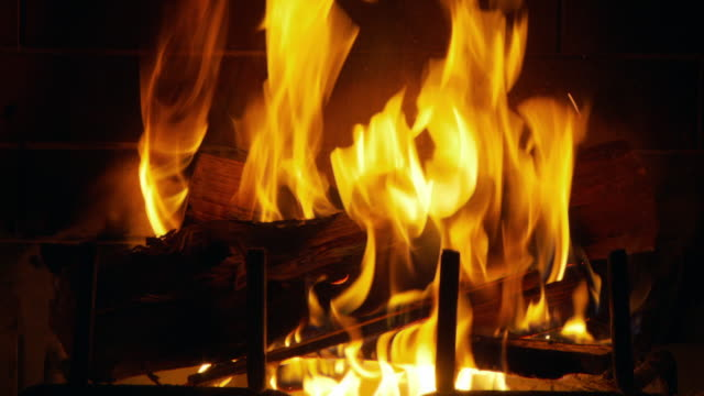 Cu Logs Burning In Fireplace Atlanta Georgia Usa Stock Footage Video Getty Images
