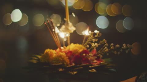 vidéos et rushes de loi krathong, la fête de la lumière, 4 mo de slo k - respect