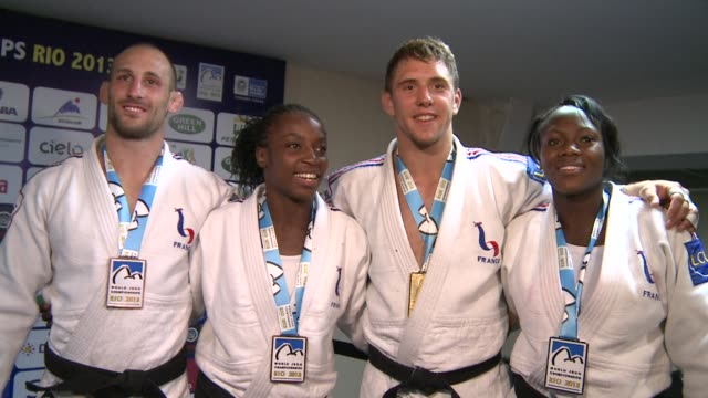 loic pietri of france wins his countrys first gold medal at the world judo championships with victory in the mens 81 kg title in rio de janeiro with... - sportweltmeisterschaft stock-videos und b-roll-filmmaterial