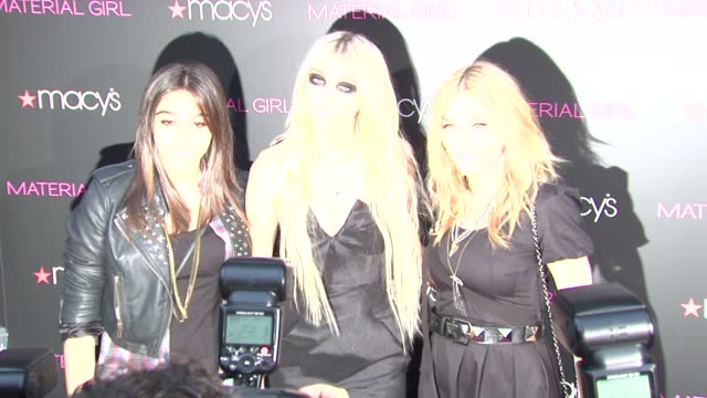 vídeos de stock e filmes b-roll de lola leon taylor momsen and madonna at the macy's 'material girl' collection launch at new york ny - material