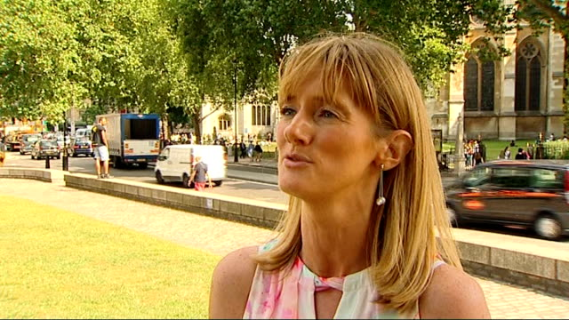 businesses report lower takings london martine ainsworthwells interview sot reporter to camera london black cabs drving towards line of black cabs... - taxi rank stock videos & royalty-free footage