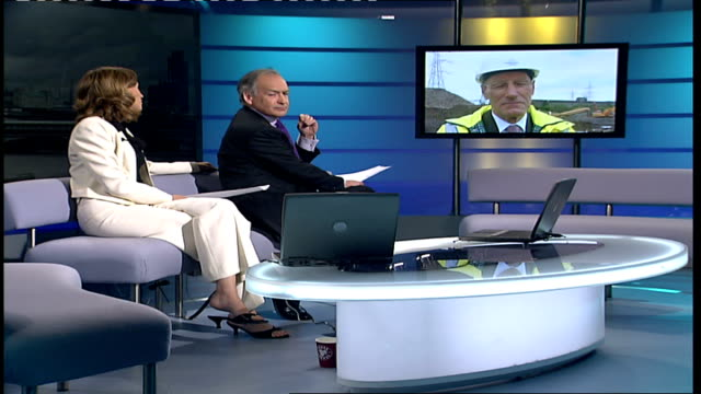 stockvideo's en b-roll-footage met london 2012 olympic games: john armitt takes over as olympic delivery authority chairman; england: london: gir: int john armitt 2-way interview from... - voorzitter