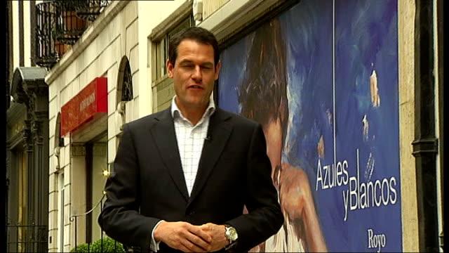 london 2012 olympic games: stella mccartney to design team gv kit; mayfair: ext reporter to camera to stella mccartney's shop - ブランド ステラマッカートニー点の映像素材/bロール