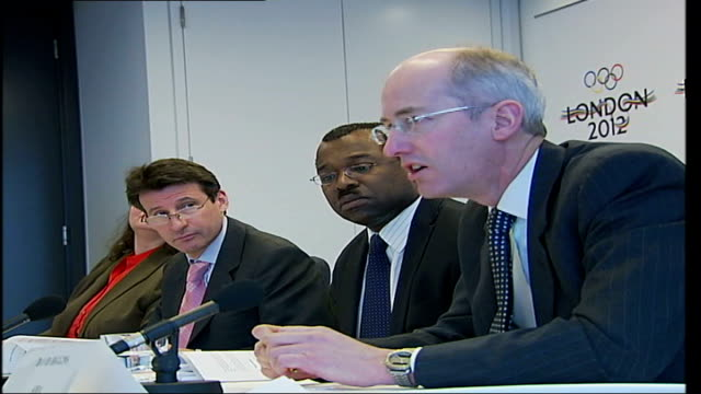 vídeos de stock, filmes e b-roll de fewer businesses to be evicted under revised plans for olympic village; london: london 2012 olympics press conference zoom in lord coe and other... - sebastian coe