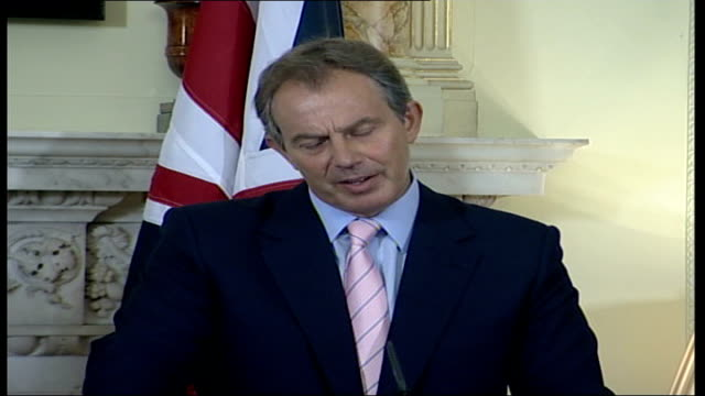 tony blair and john howard press conference england london downing street number 10 int press conference part 1 of 6 tony blair mp and john howard to... - things that go together stock videos & royalty-free footage