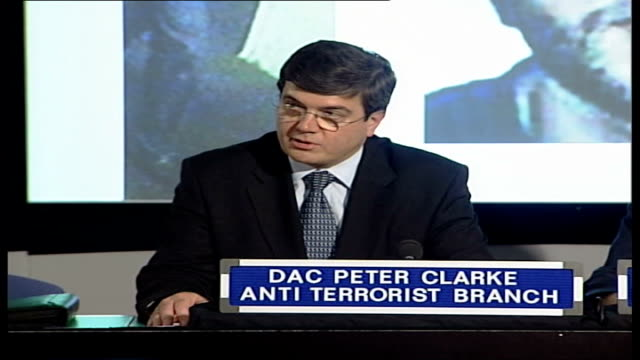 deputy assistant commissioner peter clarke press conference england london int deputy assistant commissioner peter clarke press conference sot he was... - rucksack stock videos & royalty-free footage