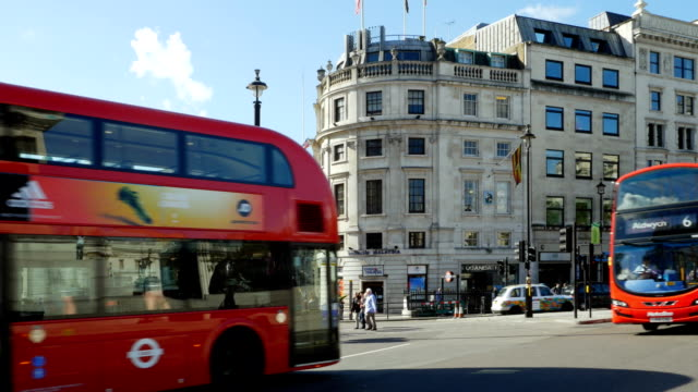 london admiralty arch and trafalgar square - double decker bus stock videos & royalty-free footage