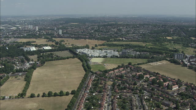 london aerial: charlton to east wickham, south east london - ウールウィッチ点の映像素材/bロール