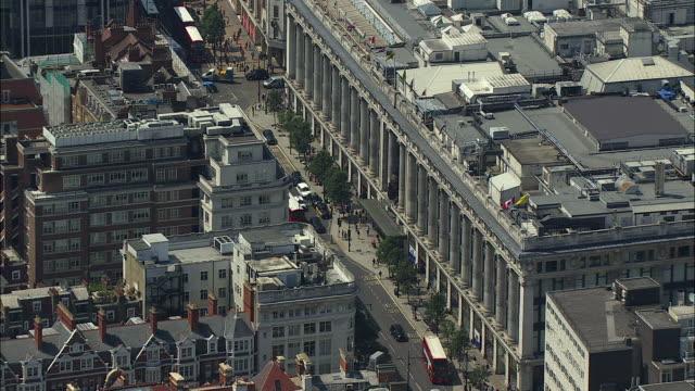 london aerial: selfridges, oxford street and hyde park - oxford street stock-videos und b-roll-filmmaterial