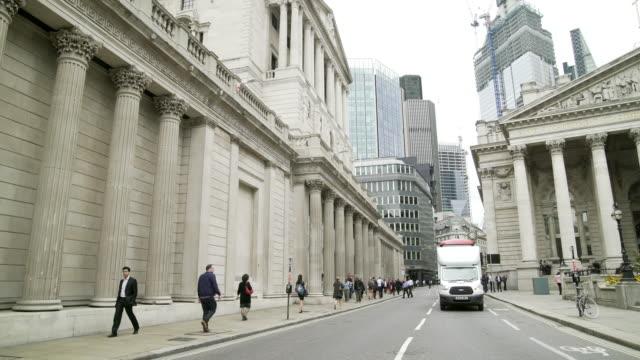 London Bank of England and Royal Exchange in Threadneedle Street