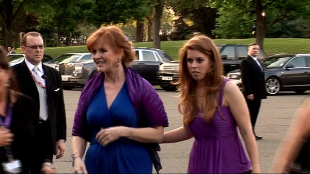 Battersea EXT ***FLASH Sarah Ferguson and Princess Beatrice arriving at Caudwell Children 'Butterfly Ball' event