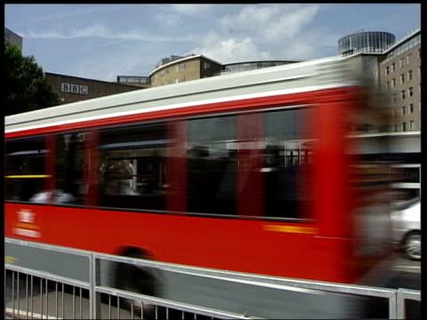 stockvideo's en b-roll-footage met bbc gvs bbc television centre gvs bbc newsroom - bbc