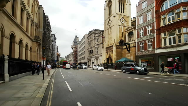 london bicycle ride from fleet street to the strand - royal courts of justice stock videos & royalty-free footage
