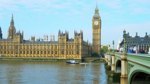 vídeos de stock e filmes b-roll de london big ben and westminster bridge cinemagraph - big ben